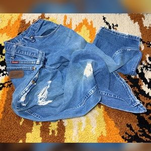 WRANGLER, distressed jeans!!